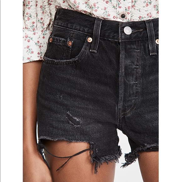 Levi's 501 Shorts in Faded Black